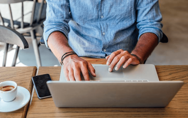 На каком движке создать сайт